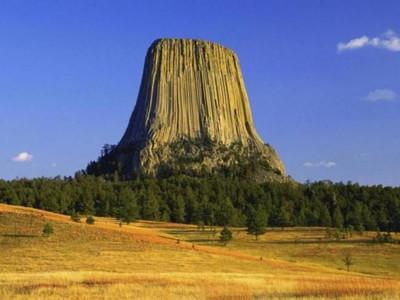 Башня Дьявола – самая загадочная скала Америки S3909265